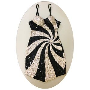 Black and silver sequins sexy backless dress